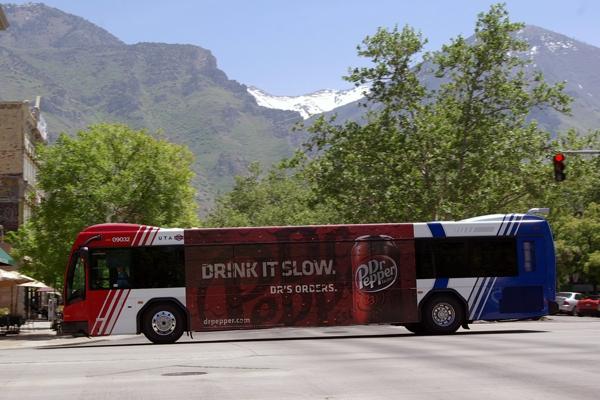 Chọn quảng cáo xe bus hay quảng cái taxi